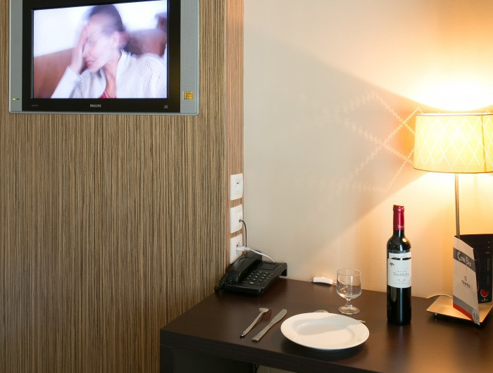 hotel studio bordeaux location studio t2 et t3 bordeaux. Black Bedroom Furniture Sets. Home Design Ideas